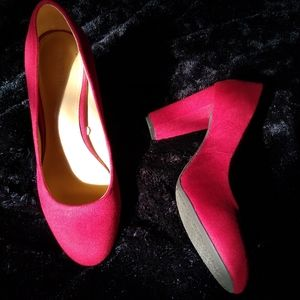 Merona Red Faux Suede Pumps, size 9